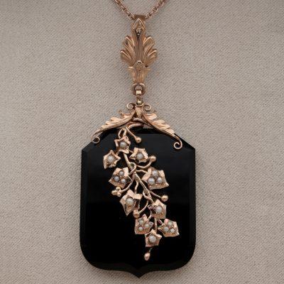 Victorian Black Onyx Natural Pearls 18 Kt Rose Gold Locket