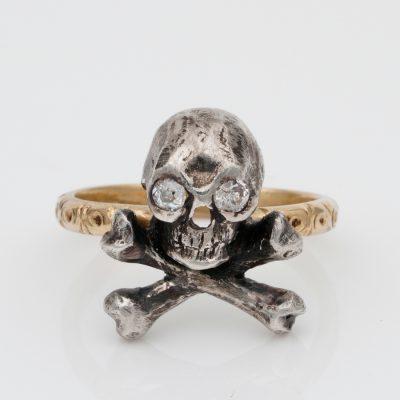 Victorian Diamond Skull Crossed Bones Silver 18 KT Gold rare ring