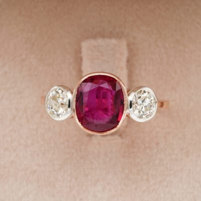 Art Deco 2.30 Ct Natural No Heat Siam Ruby 1.0 Ct Old Mine Diamond Trilogy Ring