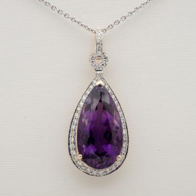 Vibrant Purple 13.00 Ct Natural Amethyst .80 Ct Diamond Pendant 18 KT/Platinum