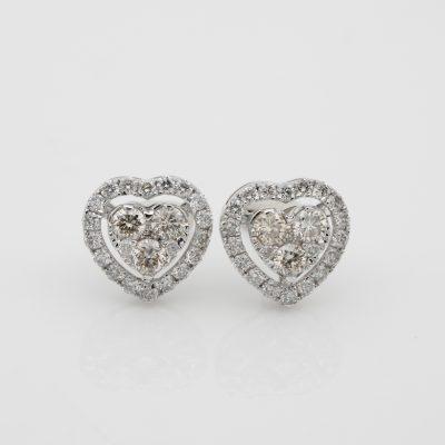 Modern .60 Ct Brilliant Cut Diamond G/H VVS/VS Heart Stud Earrings 18 KT