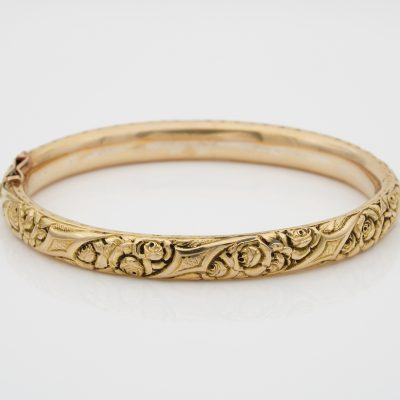 Art Nouveau Roses and more Embossed 18 KT solid gold Rare Bangle