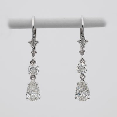 Exquisite Vintage 1.70 Ct  F/G VVS Diamond Drop Earrings 18 KT gold