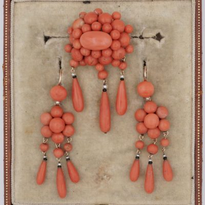 French Victorian Coral Earrings and Brooch suite 18 KT
