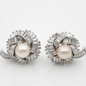 Spectacular Vintage 7.00 Ct Diamond 9.5 mm Pearl Platinum earrings