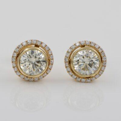 Mid century 2.08 Ct Diamond Plus Enchanting Target Stud Earrings 18 KT gold
